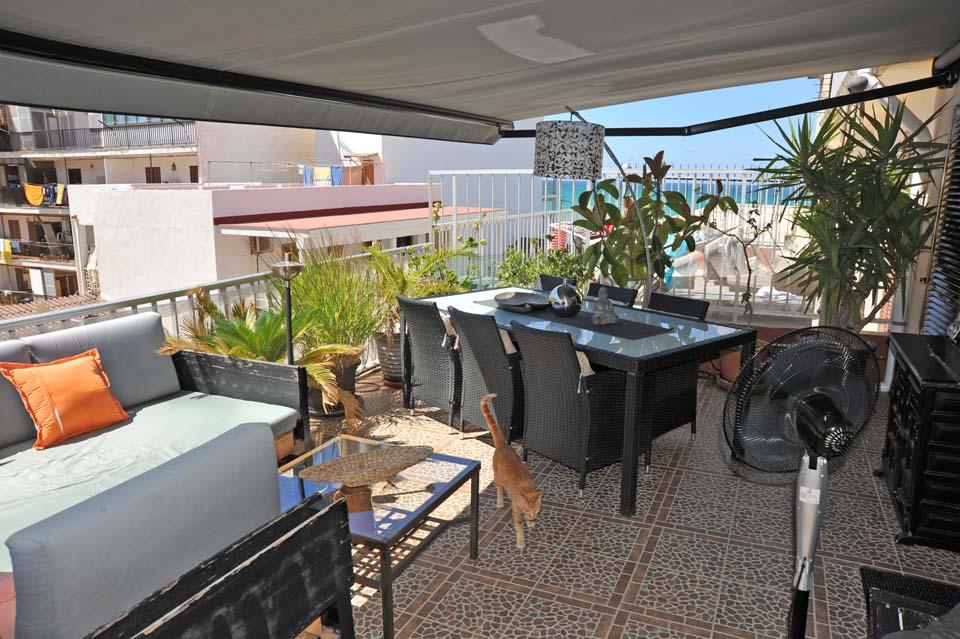 Immobilie des Monats August 2014 – Renovierte Maisonette-Wohnung mit Meerblick bei S´Arenal im Süden von Mallorca
