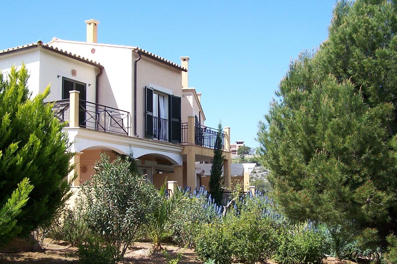 Immobilie des Monats November 2014 – Gepflegtes Reihenendhaus in Costa de la Calma im Südwesten von Mallorca