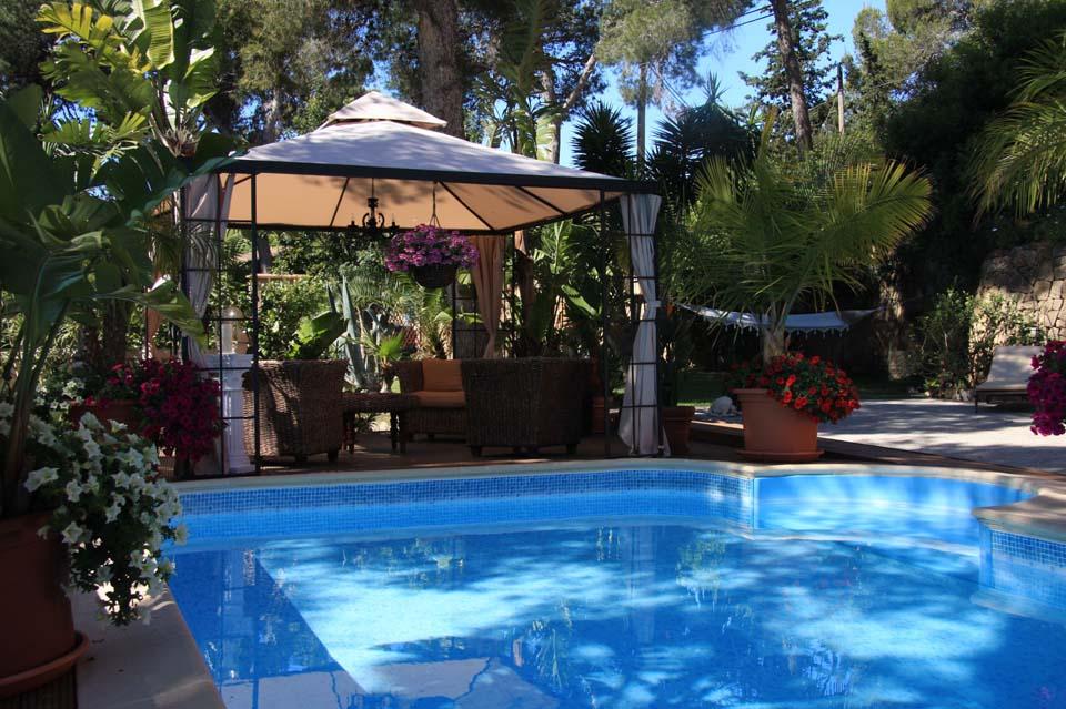 Immobilie des Monats Dezember 2014 – Mediterrane Villa in ruhiger Lage in Paguera im Südwesten von Mallorca